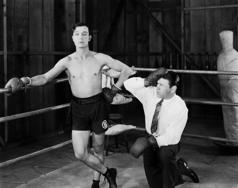 """""""Buster Keaton sul ring di boxe nel film Batting Butter (1926)"""""""