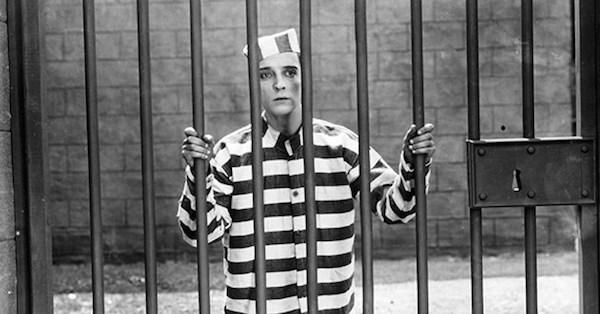 """""""Buster Keaton nel film Il carcerato n. 13 (1920)"""""""