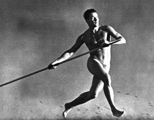 """""""Un lanciatore di giavellotto nel film Olympia di Leni Riefenstahl"""""""